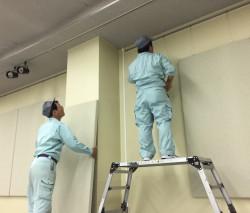 氷上住民センターに吸音パネルを設置