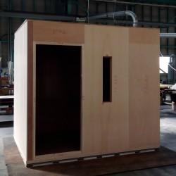 春への移り変わりと共にある木製防音室